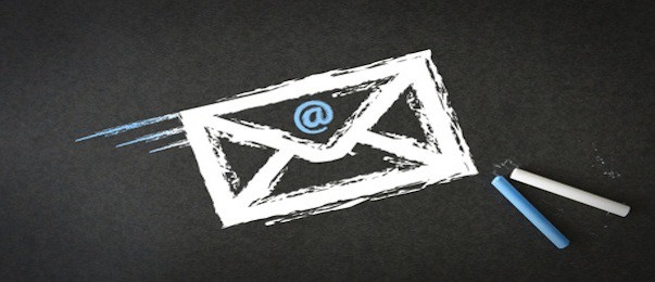 Combining email and paper mailing: a communication asset?